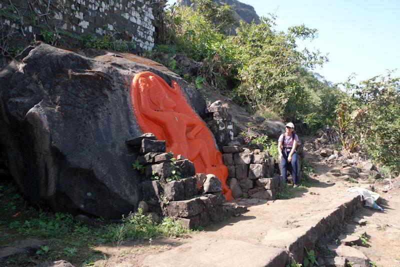 Hanuman Mandir, Tikona